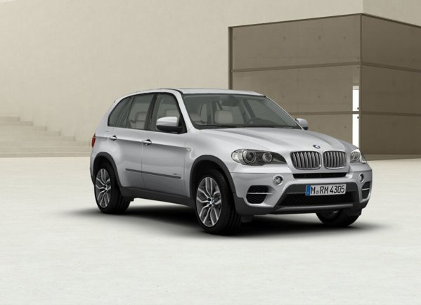 BMW X5 si X6 Exclusive Edition vor beneficia de vopseaua speciala Orion Silver Metallic
