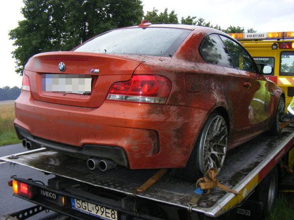 Accident cu BMW Seria 1 M in Polonia - daune nu prea mari
