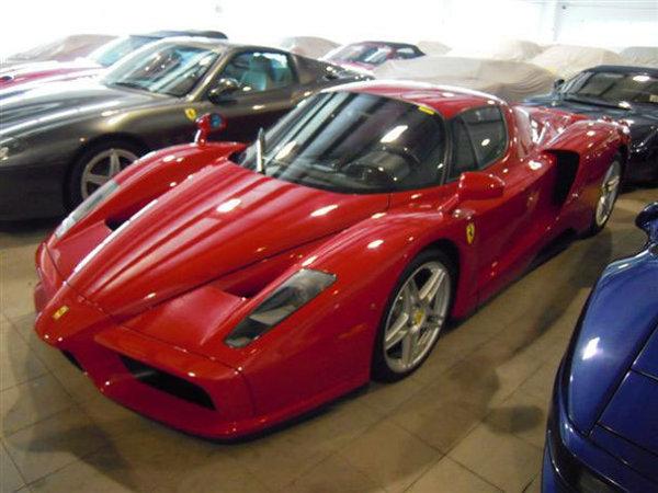 Ferrari Enzo, din 2004, nerulat - 1,4 milioane de euro