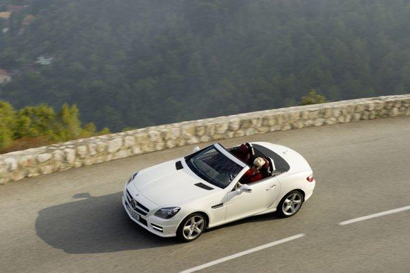 Mercedes-Benz SLK 250 CDI atinge 100 km/h in 6,7 secunde si o viteza maxima de 243 km/h