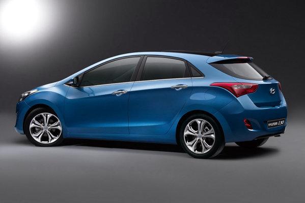 Noul Hyundai i30 este versiunea hatchback cu 5 usi a sedanului Hyundai Elantra