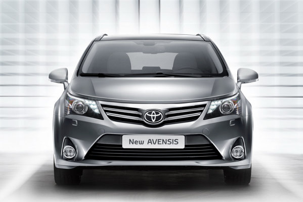 Toyota Avensis facelift beneficiaza de noi dotari optionale moderne