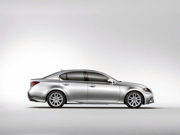 Sub capota lui Lexus GS 450h regasim a doua generatie a sistemului Lexus Hybrid Drive