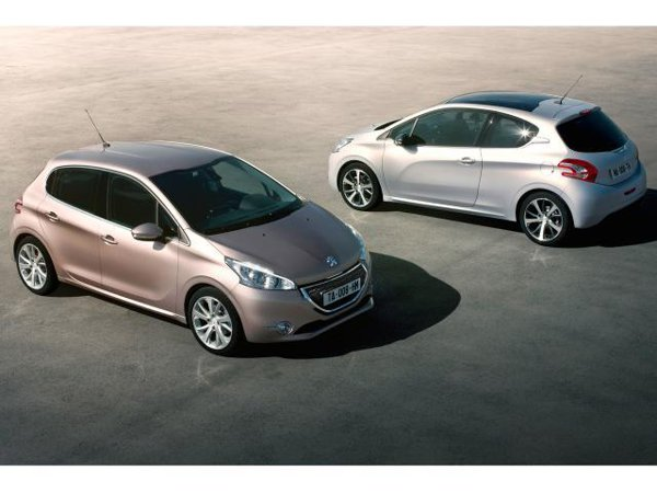 Noul Peugeot 208 debuteaza ca hathcback in 5 si 3 usi