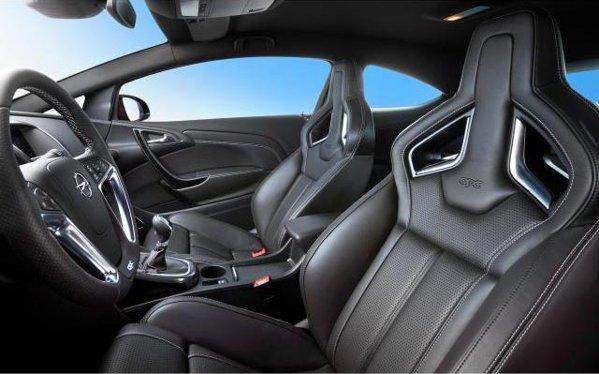 Noul Opel Astra GTC OPC beneficiaza de scaune profilate foarte sportiv