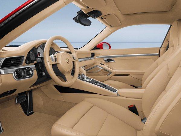 Pentru noul Porsche 911 este disponibila o lista de trei pagini de dotari optionale premium
