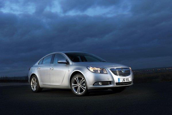 In Europa, pretul pentru noua versiune Opel Insignia 2.0 CDTi BiTurbo va porni de la 33.000 euro