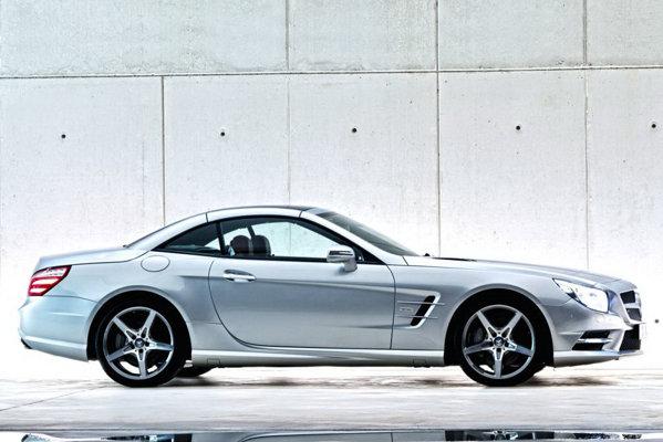 Noul Mercedes-Benz SL ramane fidel solutiei cu hardtop escamotabil