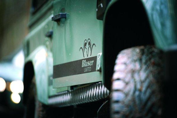 Land Rover Blaser Edition dispune de multe accesorii offroad