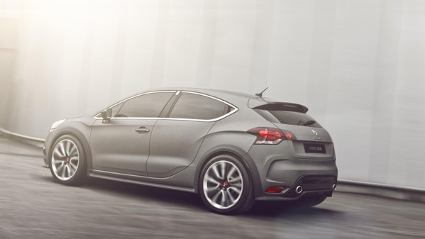 Noua versiune hot hatch Citroen DS4 Racing are un aspect de bad boy si sportiv