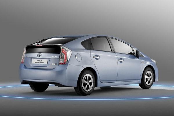 Toyota Prius Plug-in are un pret estimativ de 32.000 euro pe pietele din Europa