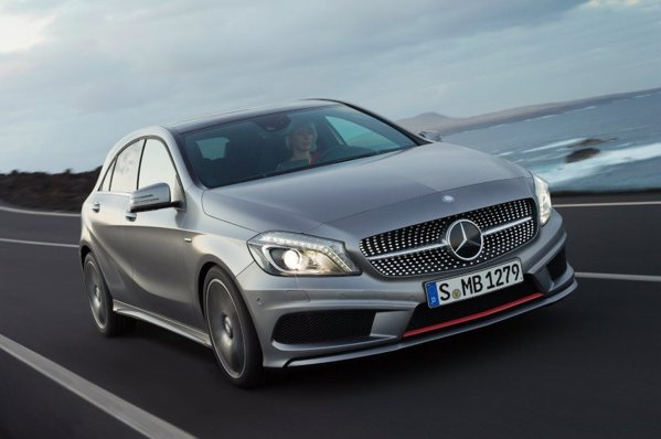 Mercedes-Benz A-Class beneficiaza si de un program de personalizare AMG