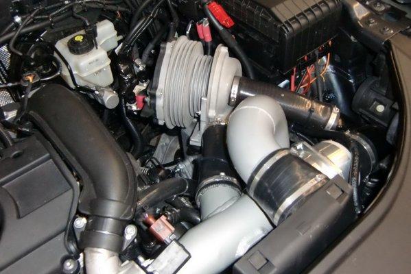 LC Super Hybrid: compresor electric. starter integrat, bateri cu plumb