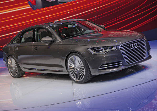 Audi A6 L e-tron dispune de un motor electric ce produce 95 CP