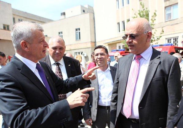 Prezentarea flotei de autospeciale noi pentru ISU s-a facut in prezenta lui Sorin Oprescu si Raed Arafat