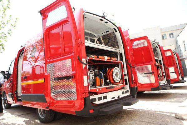 Autospecialele Opel Movano sunt echipate cu echipament de descarcerare Holmatro