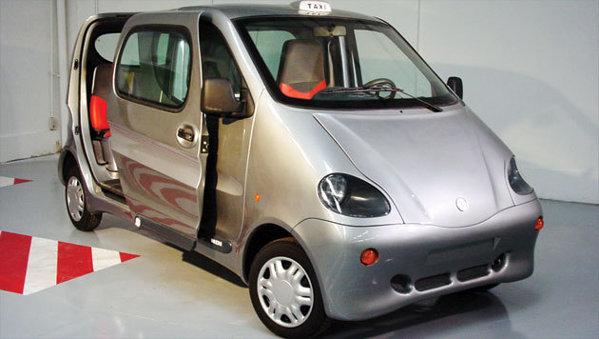 MDI Air Car avea o autonomie de 200 km şi atingea 109 km/h.