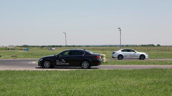 Lansarea in Romania a noului Lexus GS a avut loc pe circuit, pentru demonstrarea evolutiilor majore la capitolul dinamica