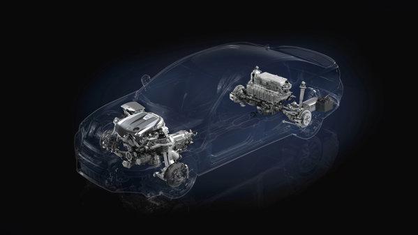 Versiunea hibrida Lexus GS 450h porneste de la 51.573 euro fara TVA, iar varianta F-Sport costa 63.699 euro fara TVA