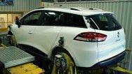Primele imagini cu versiunea break Renault Clio Grandtour - neatenţie sau teasing?