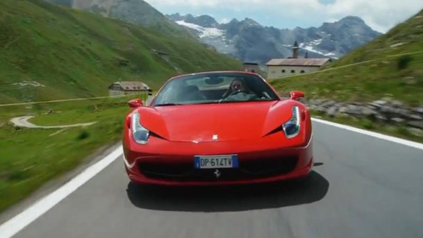 Pasiune italiană la pătrat: Ferrari 458 Spider prin Pasul Stelvio