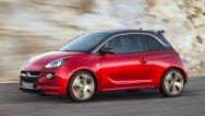Opel Adam S îl provoacă la luptă pe italianul Fiat 500 Abarth