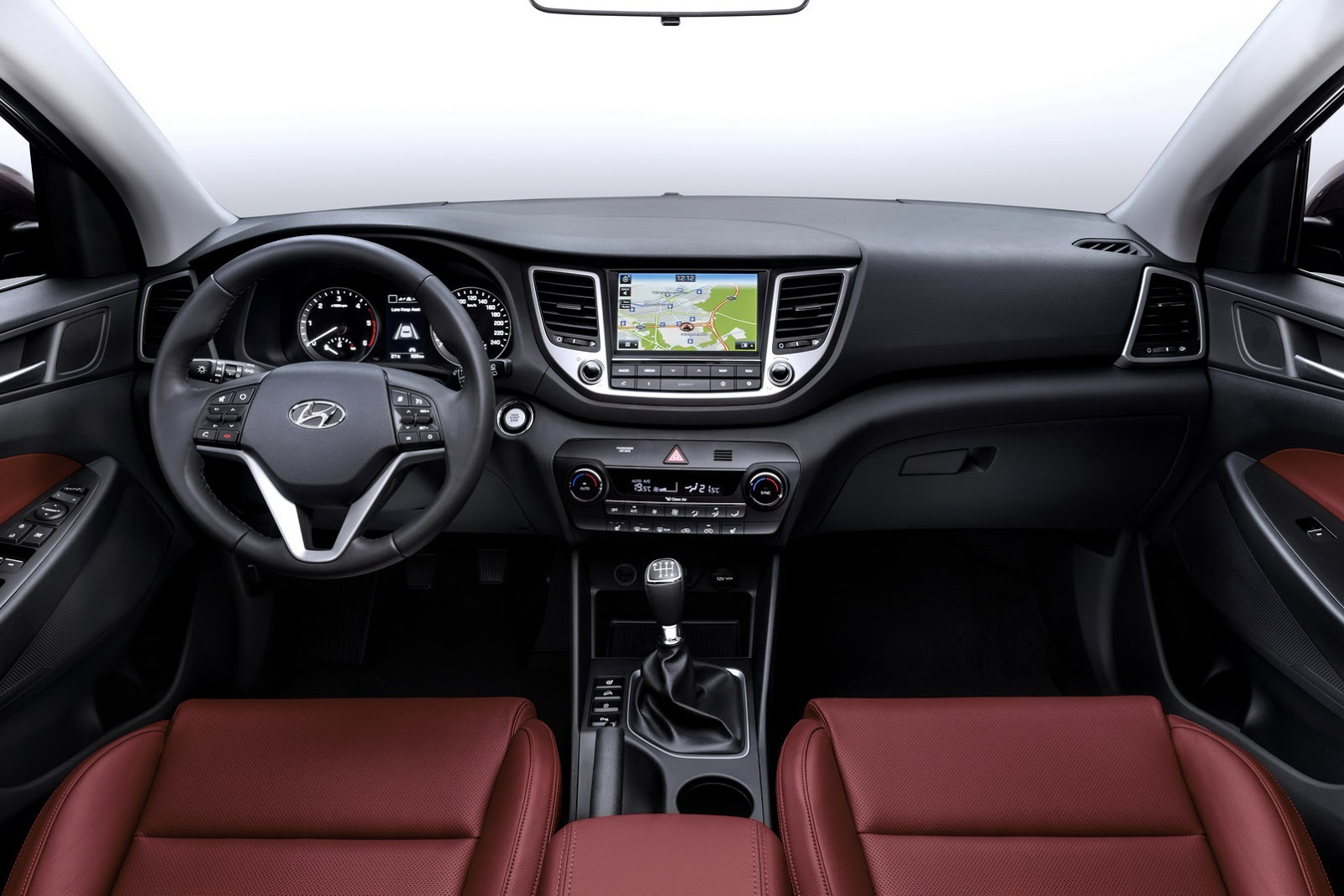 Compact Hyundai va Avea de