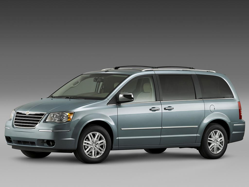 Фото Chrysler Town and Country 1…
