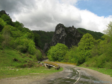 Fă-ţi plinul de natură în România de vis (FOTO ŞI HĂRŢI)