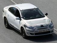 Renault Megane 3 Sedan - Primele poze spion