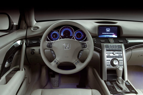 Honda Legend - interior luxos