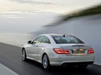 Mercedes Clasa E Coupe - spate