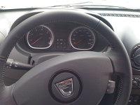 Dacia Duster cu volan din piele
