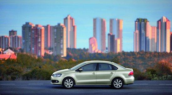 VW Polo Sedan este oferit doar cu o motorizare pe benzina, de 1,6 litri si 105 CP