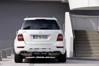 Mercedes mizeaza pe discretie