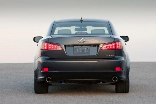 Lexus IS spate