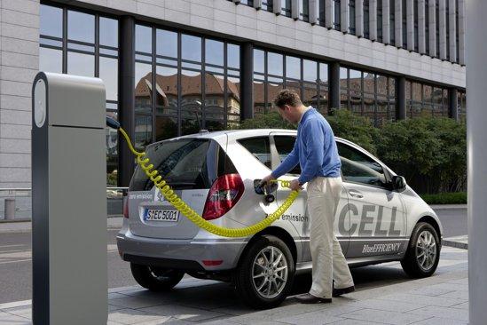 Mercedes A-Class E-Cell are un motor electric de 95 CP si 290 Nm