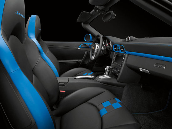 Interiorul lui Porsche 911 Speedster beneficiaza de detalii personalizate