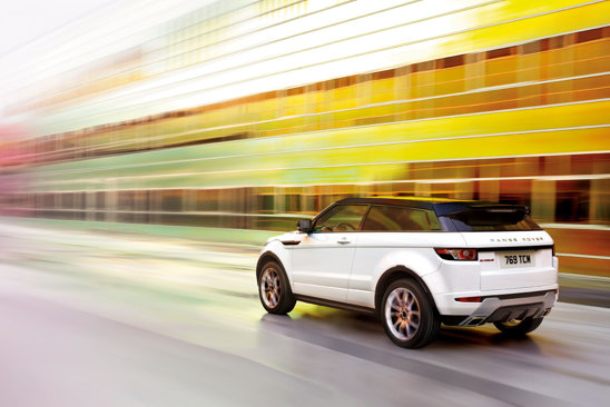 Range Rover Evoque are cel mai agresiv design in gama masinilor Land Rover
