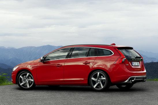 Pachetul R-Design pentru Volvo S60 si V60 va fi disponibil pentru toate versiunile de motorizare