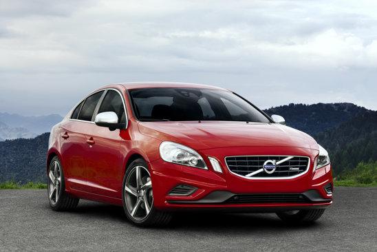 Cu ocazia Salonului Auto Paris 2010, Volvo va prezenta S60 si V60 R-Design