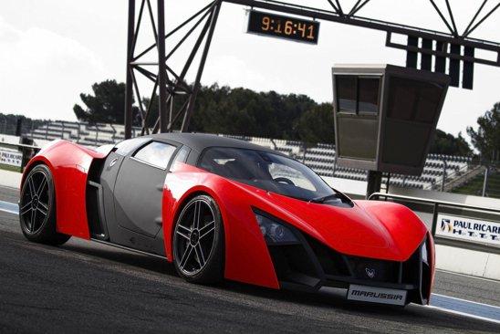 Marussia B2 este versiunea agresiva. Versiunea de top are un demaraj 0-100 kmh de numai 3,2 secunde