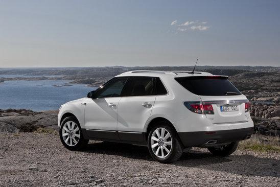 Portbagajul lui Saab 9-4X are o capacitate maxima de 1.800 litri, iar hayonul se poate deschide din telecomanda