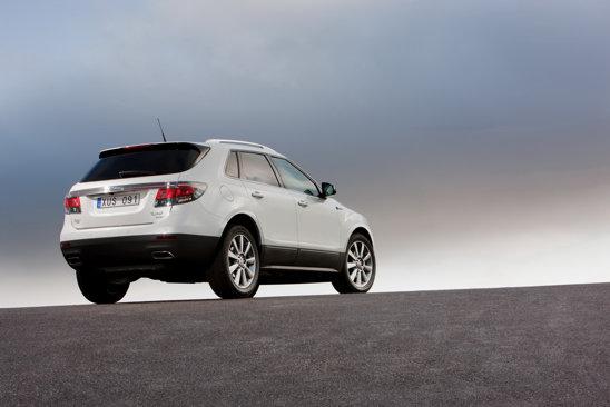 Saab 9-4X beneficiaza de un sistem electronic DriveSense, care controleaza suspensia, directia si acceleratia