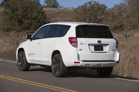 Autonomia maxima a lui Toyota RAV4 EV se cifreaza la 100 de mile, circa 160 km