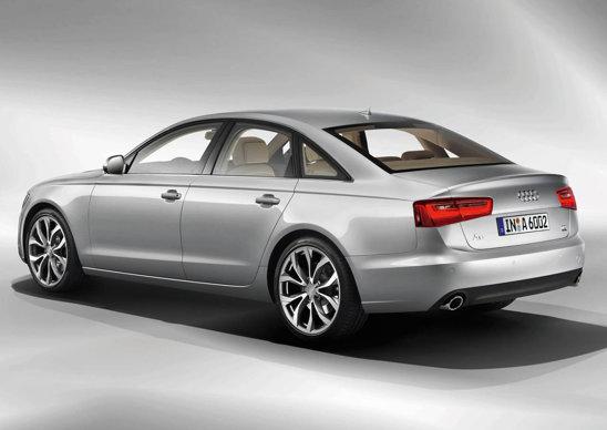 Spatele lui Audi A6 mizeaza pe simplitate. Per ansamblu, A6 arata foarte dinamic
