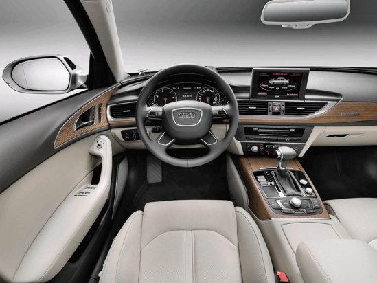Interiorul lui Audi A6 este elegant, luxos si dinamic, fiind preluat de la Audi A7