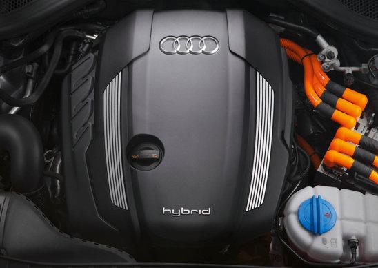 Versiunea Audi A6 Hybrid are un motor 2.0 TFSI de 211 CP cuplat cu unul electric de 45 CP