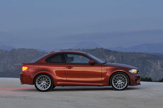BMW Seria 1 M Coupe are jante de 19 inch, cu un design inspirat de cele de pe BMW M3 GTS