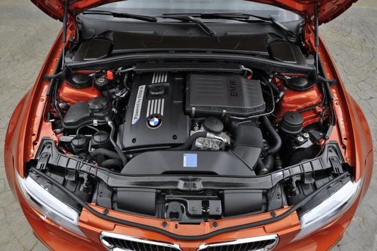 Motorul lui BMW Seria 1 M Coupe provine de pe BMW Z4 sDrive35is si are 335 CP